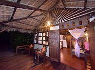 Alor Divers Eco Resort – Strandbungalow mit überdachter Veranda