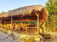 Offenes Haupthaus im Alor Divers Eco Resort
