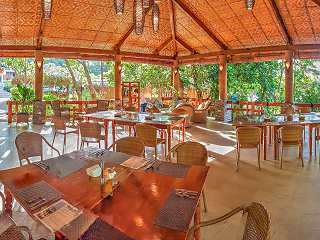 Restaurant im Magic Ocean Dive Resort