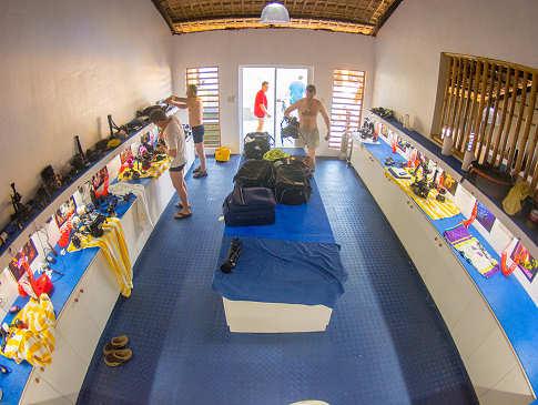 Kameraraum der Tauchbasis des Buceo Anilao