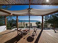Entspannen mit Blick aufs Meer – Baia Sonambula Guesthouse, Tofo Beach, Mosambik