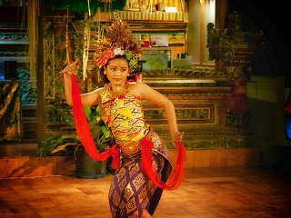 Balinesischer Tanz – Tauch- & Kulturreisen nach Indoensien