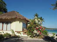 Strandbungalow im Bara Beach Resort – Sulawesi