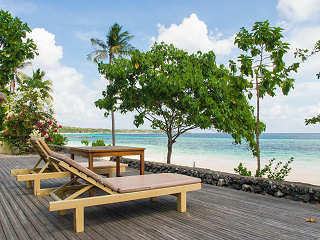 Sonnendeck – Bara Beach Resort, Bira