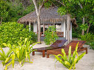 Beach Villa am Strand mit Meerblick – Selayar Dive Resort, Süd Sulawesi