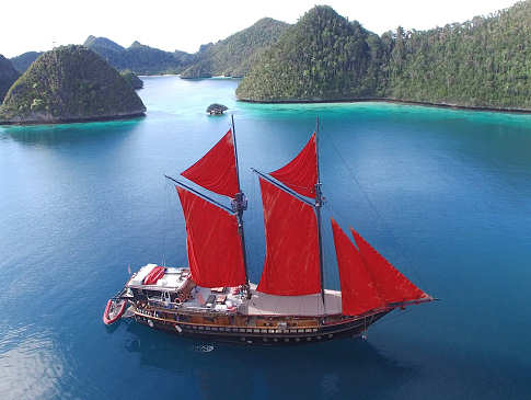 Calico Jack – Safariboot Indonesien