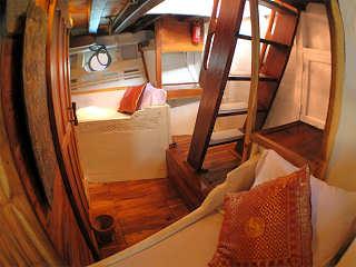 Kabine mit zwei Einzelbetten – Safariboot Raja Ampat