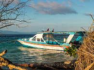 Eines der Tauchboote der Celebes Divers