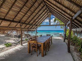 Essbereich der Coconut Lodge – Rangiroa