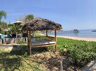 Balen und Strand des Kalimaya Dive Resort