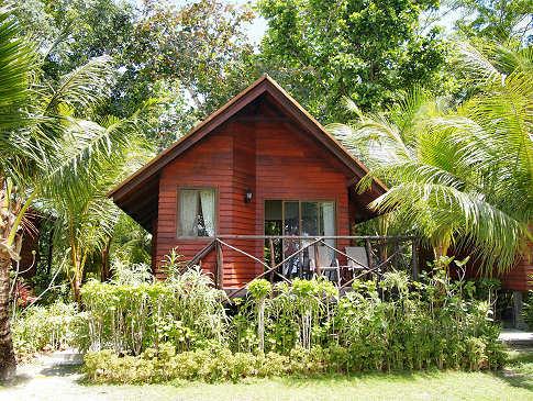 Dolphin Bay Resort – Peleliu, Palau