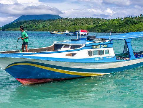 Tauchboot der Froggies Divers Bunaken, Sulawesi