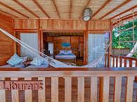Veranda des Familienbungalows im Kuda Laut