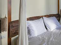 Himmlisch Schlafen – Doppelbett einer Villa