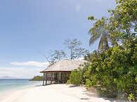 Restaurant des Resorts auf Stelzen am Strand