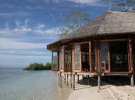 Restaurant (fast) über dem Wasser