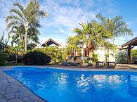 Pool im Garten des Le Relais Fenua Tahiti