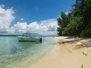 Tropischer Traumstrand – Lissenung Island