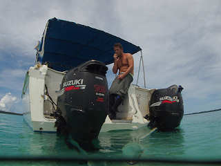Komfortables Speedboot – Lissenung Island Resort