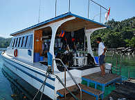 Tauch-Catamaran