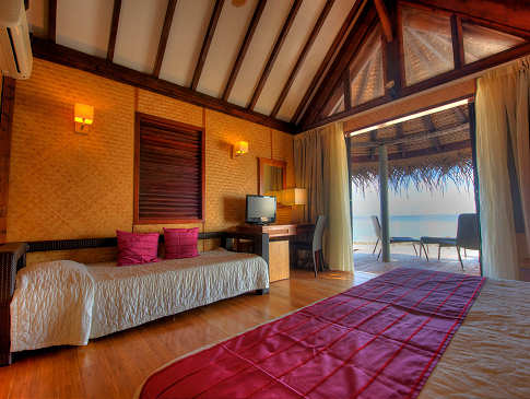 Lagoon Bungalow im Maitai Hotel Rangiroa, Franz. Polynesien