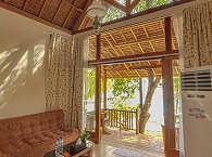 Wohnbereich – Maluku Tauchresort & Spa