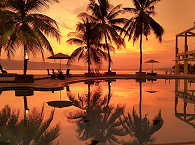 Sonnenuntergang auf den Molukken, Indonesien