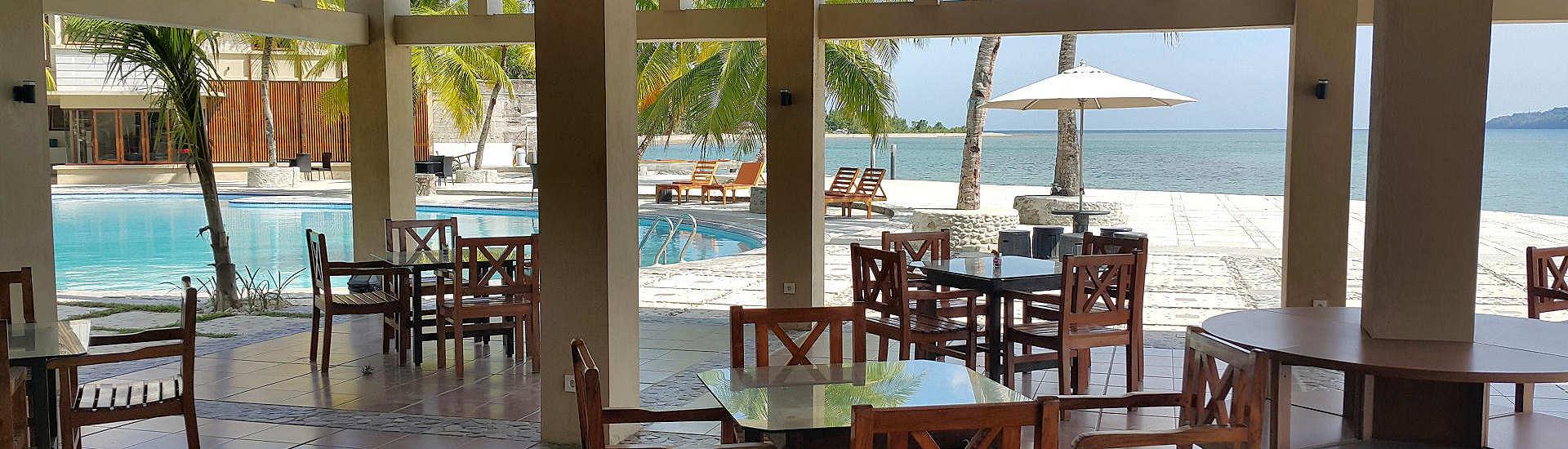 offenes Restaurant am Pool, Maluku Dive Resort