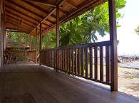 Beach View Bungalow des Mapia Resort & Spa – Sulawesi Indonesien