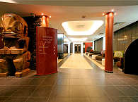 Lobby des Manava Suite Resorts