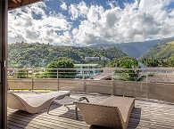 Terrasse mit Blick auf die Berge Tahitis