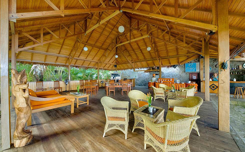 offenes Restaurant des Mapia Resort & Spa