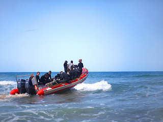 Tauchboot der Tauchbasis Tofo Scuba