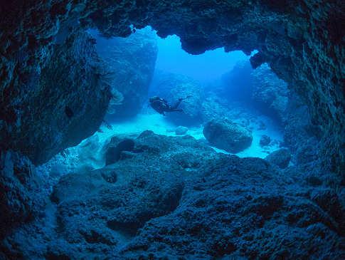 Höhlensysteme der Miyako Inseln