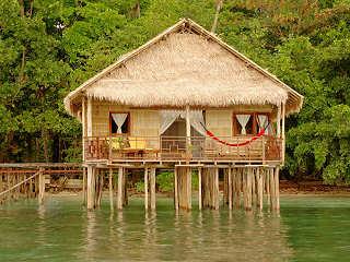 Papua Paradise Eco Resort – Wasserbunbgalow