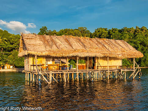 Papua Paradise Eco Resort – Jetty