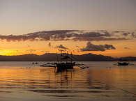 Die Tauchboote des Ducks Diving Center, Philippinen