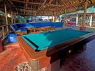 Lounge des Resorts mit dem Billardtisch