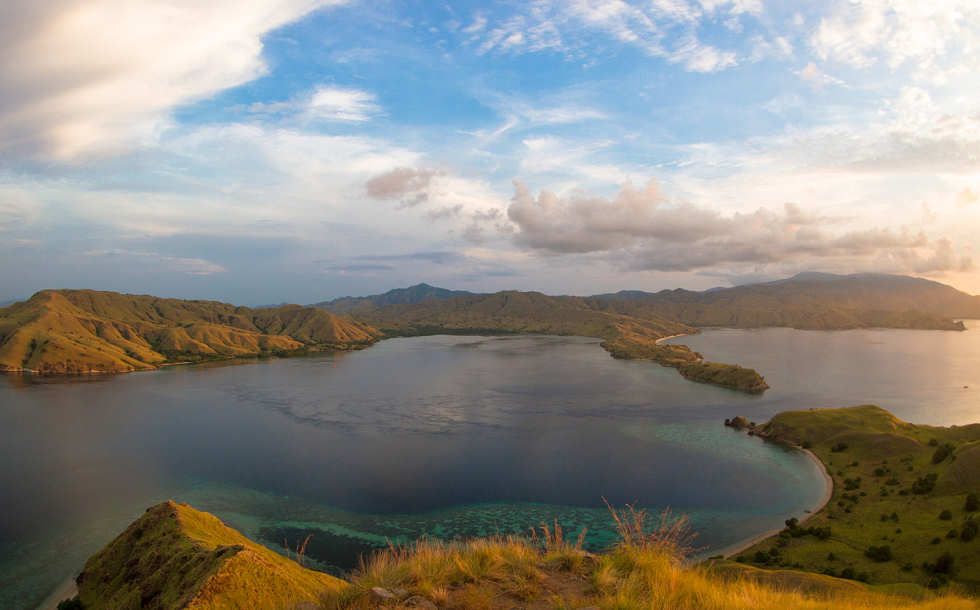 Wunderschöne Landschaften – Tauchreisen nach Indonesien