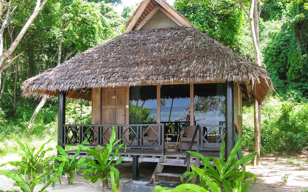 Bungalow mit Blich auf das Meer – Selayar Dive Resort