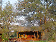 Restaurant der Rhino Post Safari Lodge – Südafrika