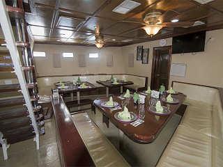 Restaurant unter Deck