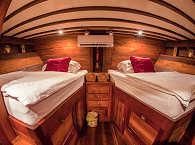 Twin Bed Kabine auf der Duyung Baru – Komodo, Indonesien