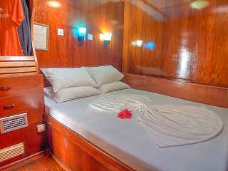 Oberdeck-Kabine – Safariboot MY Sheena
