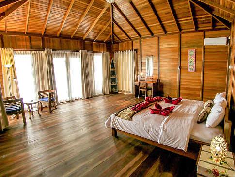 Bungalow im Sali Bay Resort auf den Nord-Molukken