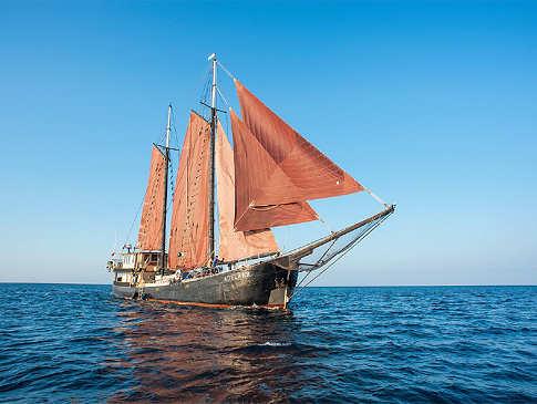 Das Safariboot wurde 1902 als Frachtsegler gebaut