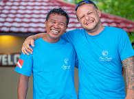 Resort-Leiter Steve Radics mit Divemaster Dolfye – Sea Souls Dive Resort, Bangka