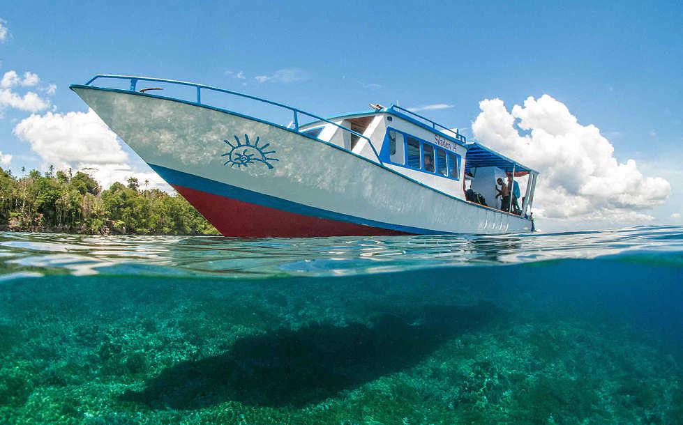 Tauch-Boot des Siladen Dive Center