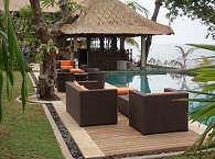 Poolanlage und Bar – Tauch Terminal Tulamben, Bali