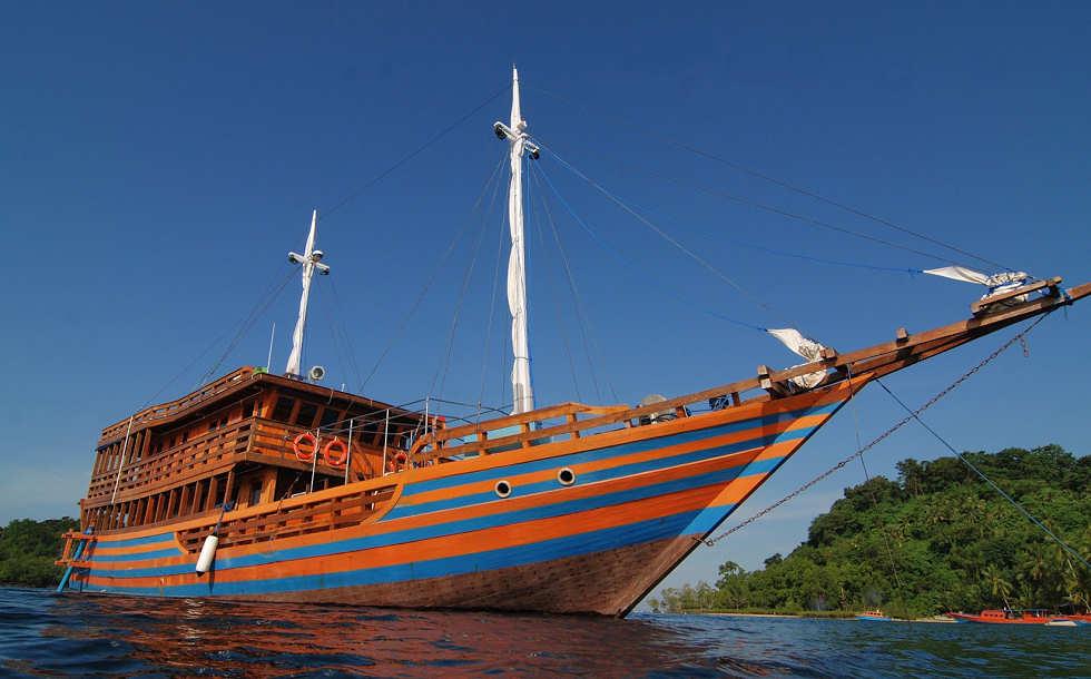 Sunshine – das Safariboot der Tauchbasis Blue Bay Divers